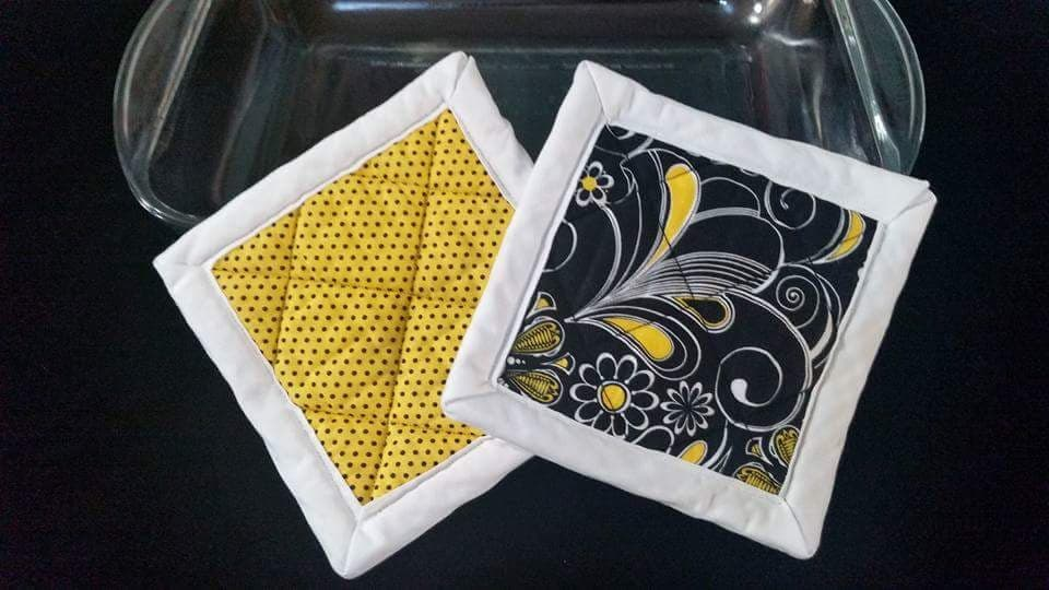 Yellow/Black Flower Hotpads